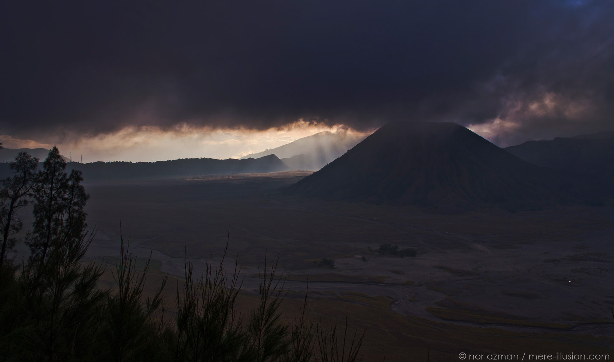mount bromo, indonesia by nor azman
